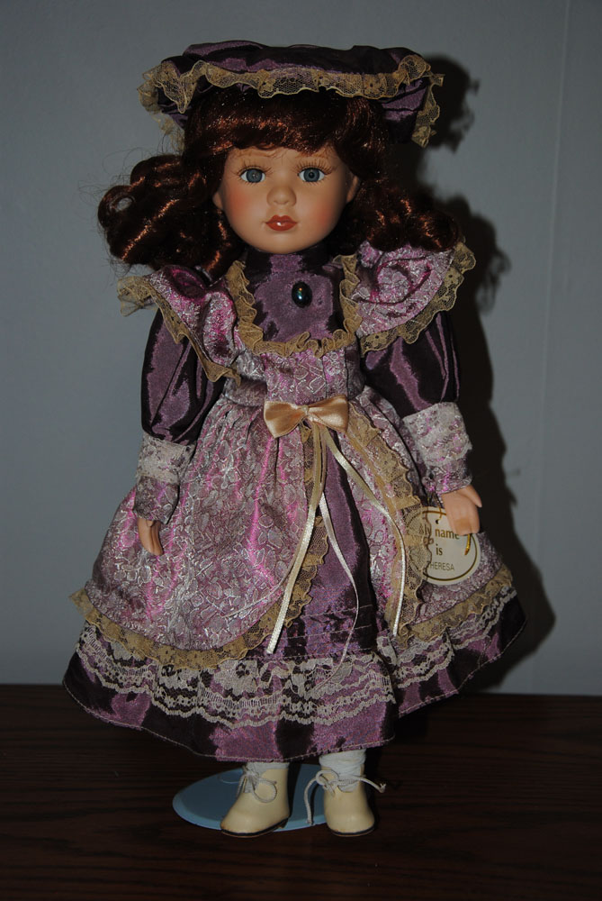 sm 16 inch Theresa Porcelain doll 3