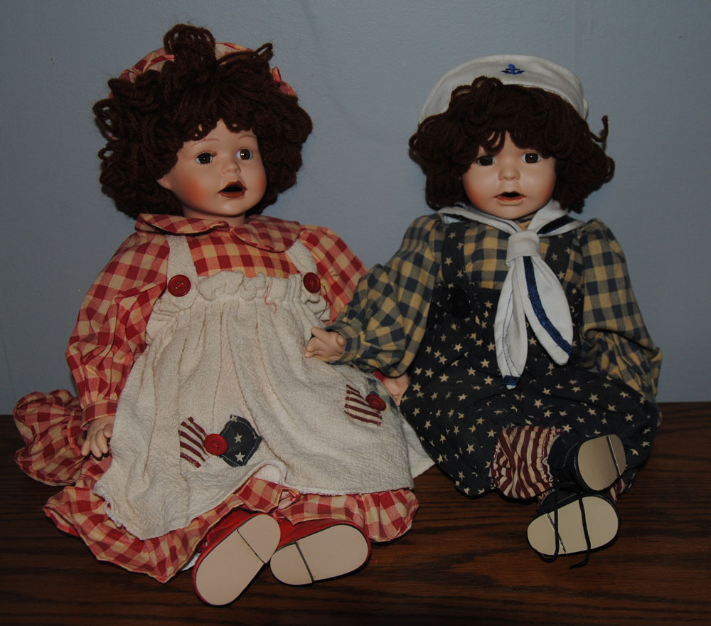 sm Betsys Tea Time Raggedy Ann and Andy Porcelain Dolls 2