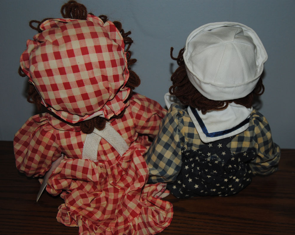 sm Betsys Tea Time Raggedy Ann and Andy Porcelain Dolls 4