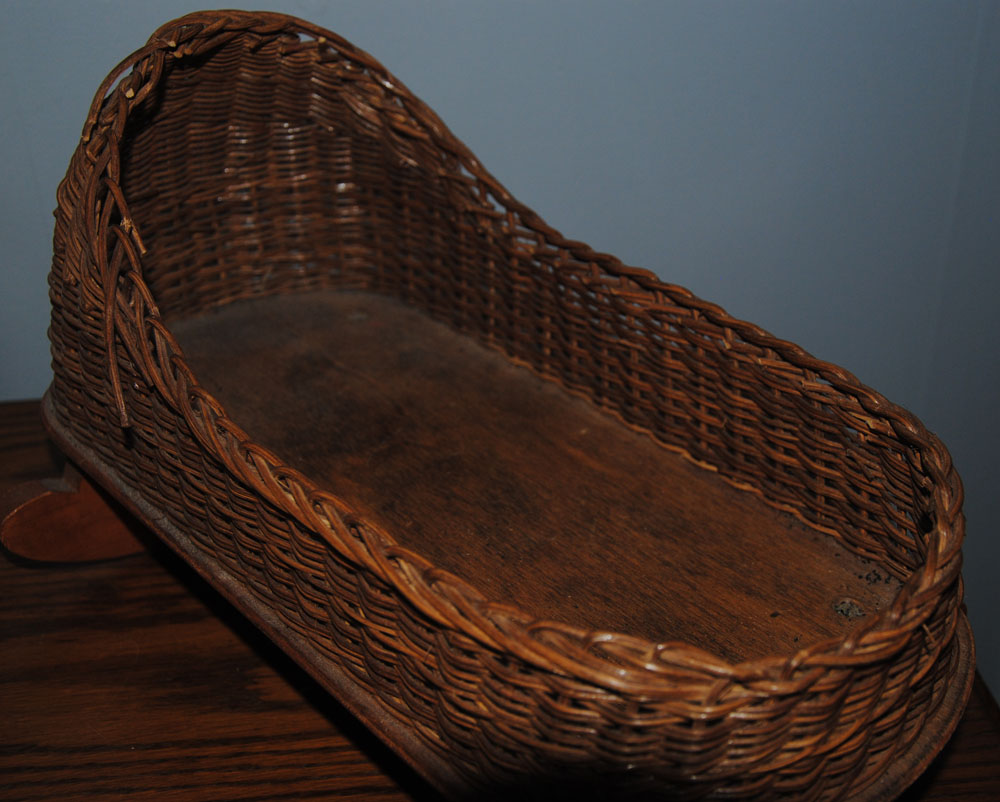 sm wicker doll cradle 2